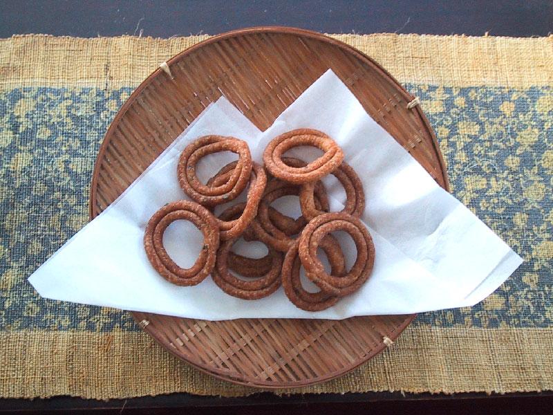津島銘菓くつわ